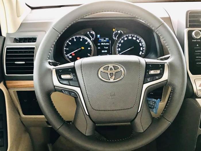 Giá bán cao hơn Ford Explorer 340 triệu đồng, Toyota Land Cruiser Prado 2020 có gì? Ảnh 5