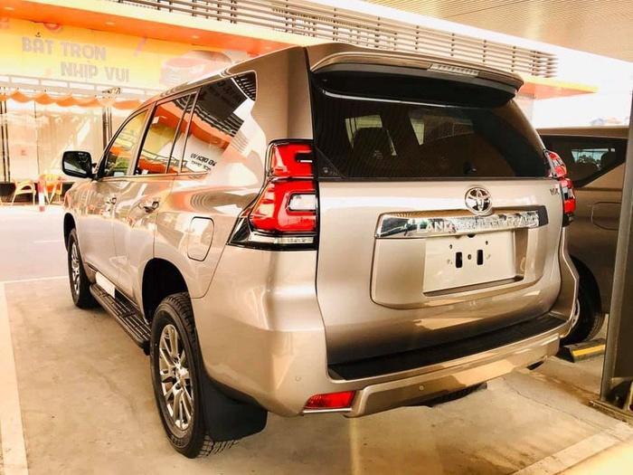 Giá bán cao hơn Ford Explorer 340 triệu đồng, Toyota Land Cruiser Prado 2020 có gì? Ảnh 6