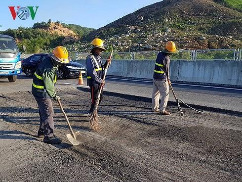 Bộ GTVT ra 'tối hậu thư' cho VEC về hỏng cao tốc Đà Nẵng - Quảng Ngãi Ảnh 2