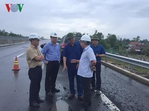 Bộ GTVT ra 'tối hậu thư' cho VEC về hỏng cao tốc Đà Nẵng - Quảng Ngãi Ảnh 1