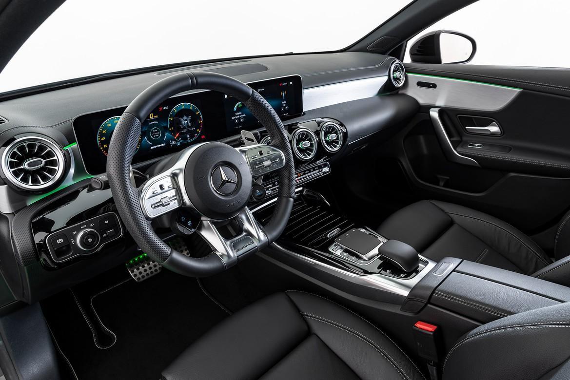 Brabus B35S Mercedes-AMG A35 có giá lên tới gần 90.000 USD Ảnh 9