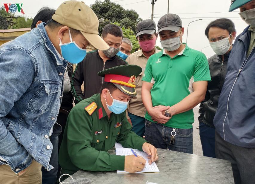 Quảng Ninh:Cách ly toàn bộ xe khách chở 1 du học sinh có biểu hiện sốt Ảnh 2