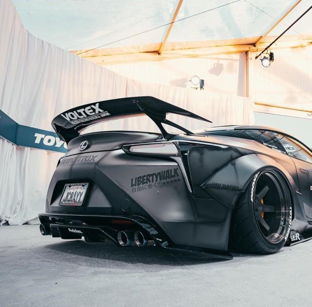 Hình ảnh Lexus LC500 độ Liberty Walk màu đen nhám cực 'ngầu' Ảnh 8