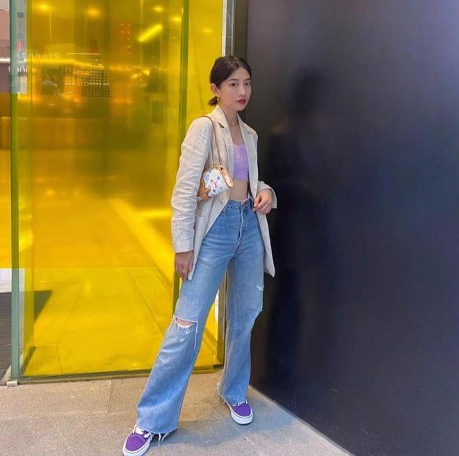 Jennie, Dương Mịch đã mặc quần gì để trông chân thon dài hơn? Ảnh 9