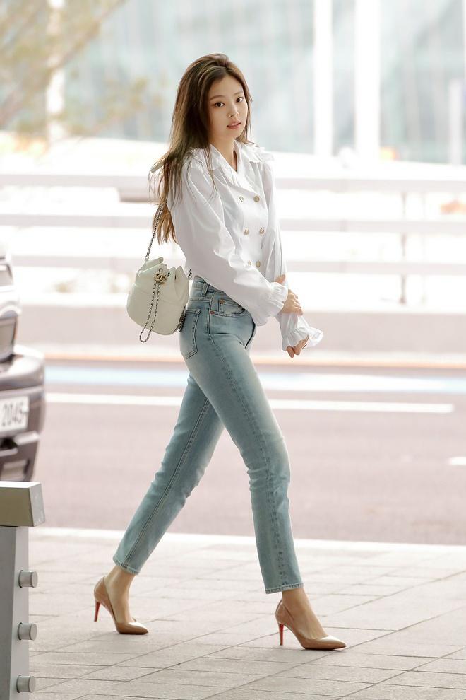 Jennie, Dương Mịch đã mặc quần gì để trông chân thon dài hơn? Ảnh 2