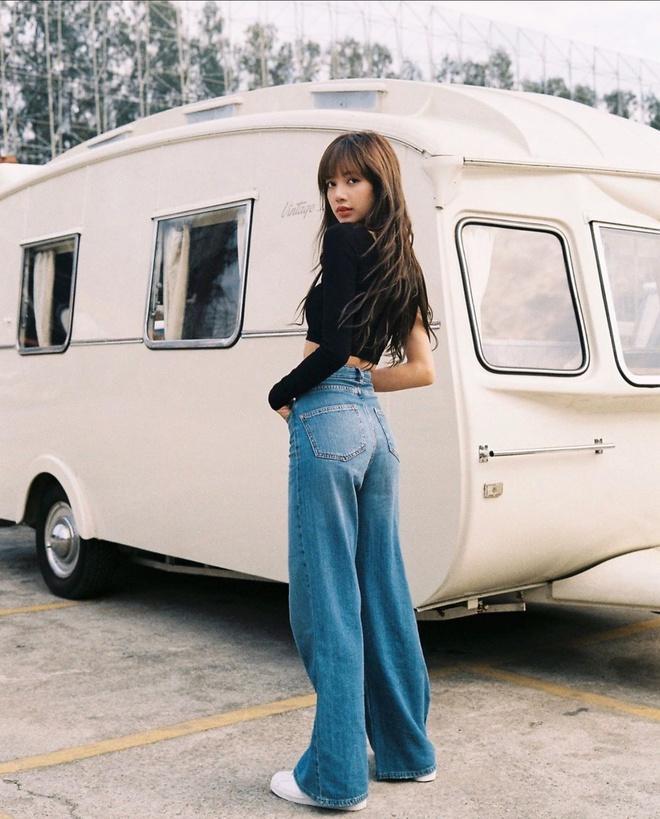 Jennie, Dương Mịch đã mặc quần gì để trông chân thon dài hơn? Ảnh 7