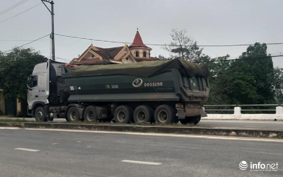 Quảng Bình: Xe quá khổ chở vật liệu tung hoành trên quốc lộ, TTGT, CSGT ở đâu? Ảnh 7