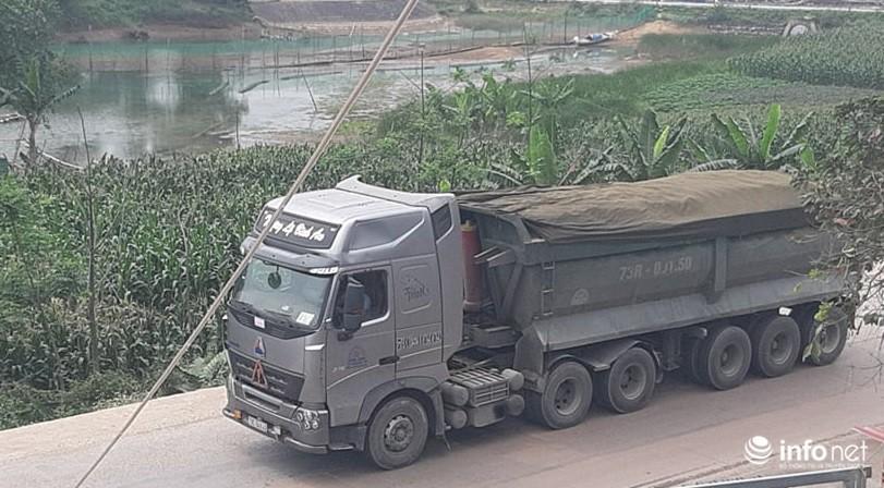 Quảng Bình: Xe quá khổ chở vật liệu tung hoành trên quốc lộ, TTGT, CSGT ở đâu? Ảnh 3