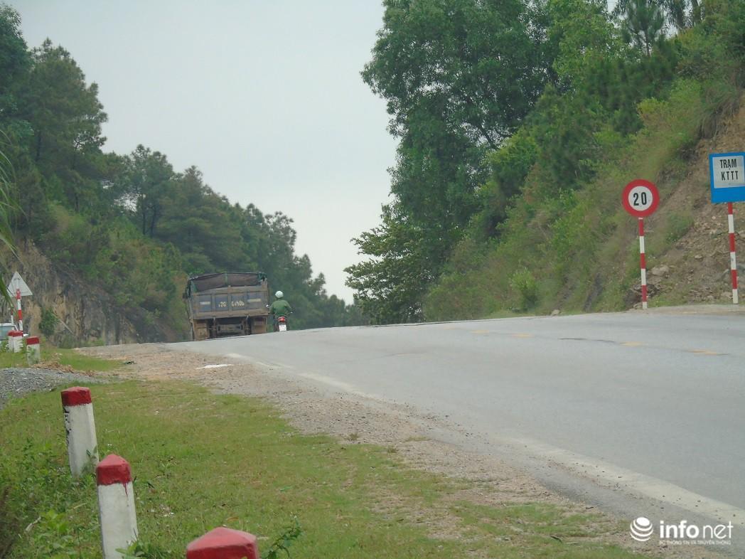Quảng Bình: Xe quá khổ chở vật liệu tung hoành trên quốc lộ, TTGT, CSGT ở đâu? Ảnh 10