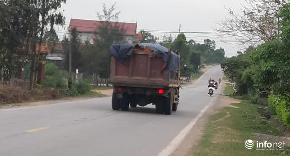 Quảng Bình: Xe quá khổ chở vật liệu tung hoành trên quốc lộ, TTGT, CSGT ở đâu? Ảnh 8