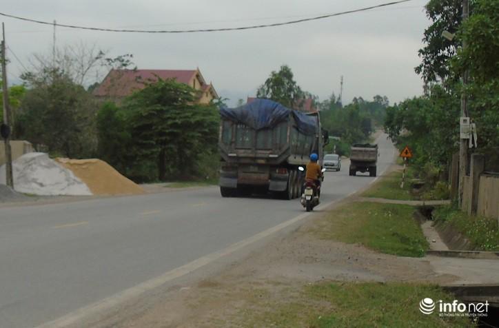 Quảng Bình: Xe quá khổ chở vật liệu tung hoành trên quốc lộ, TTGT, CSGT ở đâu? Ảnh 9