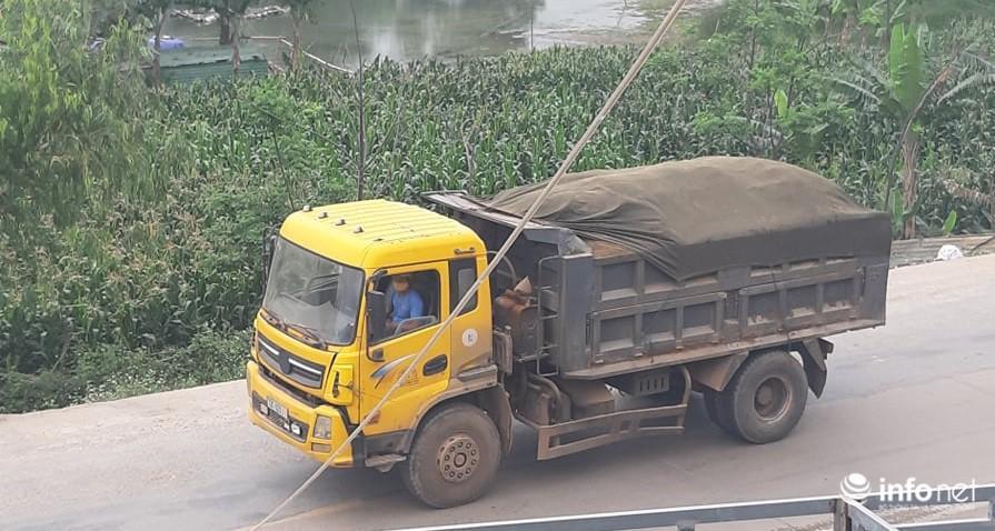 Quảng Bình: Xe quá khổ chở vật liệu tung hoành trên quốc lộ, TTGT, CSGT ở đâu? Ảnh 4