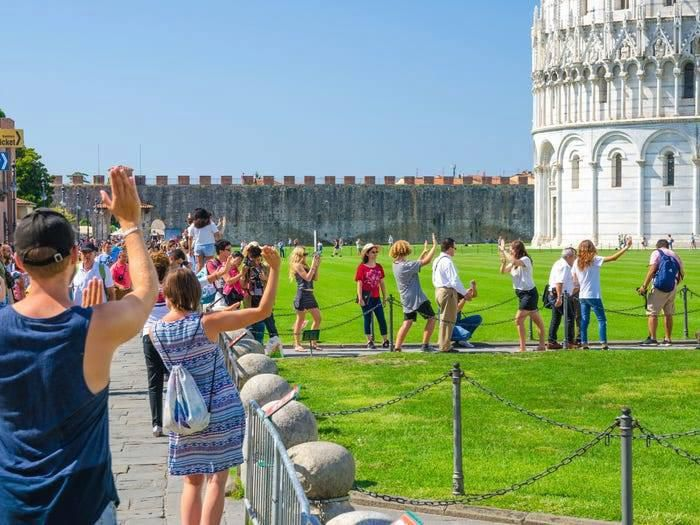 Những địa điểm du lịch nổi tiếng trước và sau khi có dịch Covid-19 Ảnh 11