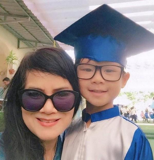 Ngỡ ngàng nhan sắc U60 trẻ trung xinh đẹp của mẹ vợ sao Việt Ảnh 6