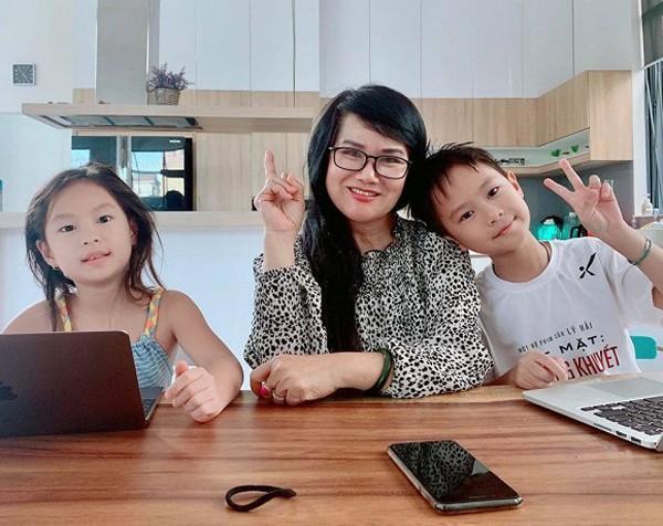 Ngỡ ngàng nhan sắc U60 trẻ trung xinh đẹp của mẹ vợ sao Việt Ảnh 4