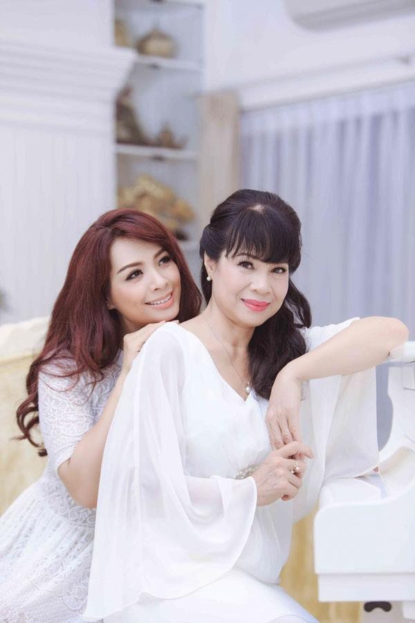 Ngỡ ngàng nhan sắc U60 trẻ trung xinh đẹp của mẹ vợ sao Việt Ảnh 8