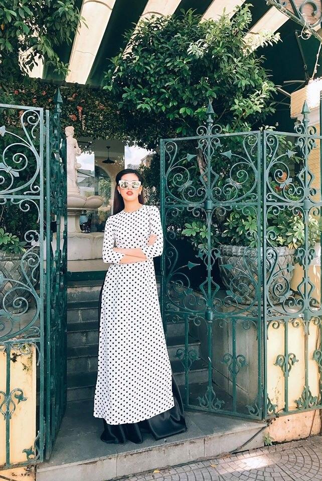 Muốn diện váy chấm bi mà không sợ bị già, bị sến thì cứ học Hoa hậu Khánh Vân Ảnh 12