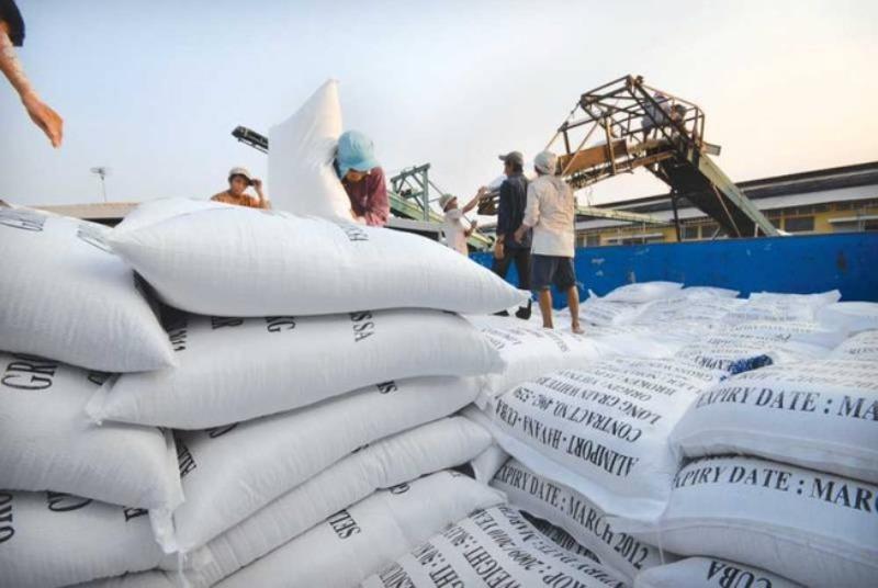 Bộ Công Thương kiến nghị xuất khẩu 400.000 tấn gạo vào tháng 4 Ảnh 2