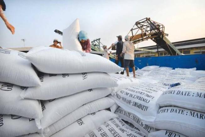 Bộ Công Thương kiến nghị xuất khẩu 400.000 tấn gạo vào tháng 4 Ảnh 1
