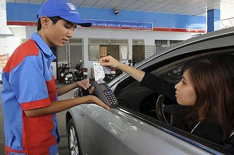 25% cửa hàng xăng dầu ở Hà Nội chấp nhận thanh toán không tiền mặt Ảnh 1