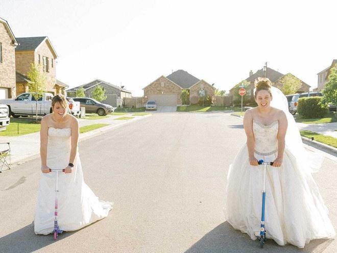 Ở nhà quá chán, nhiếp ảnh gia rủ hàng xóm chụp ảnh váy cưới Ảnh 4