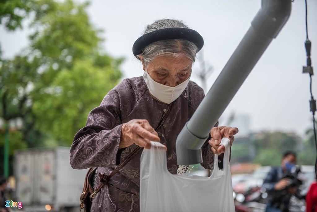 'ATM gạo' đưa lòng tốt của người Việt lan tỏa ra thế giới Ảnh 1