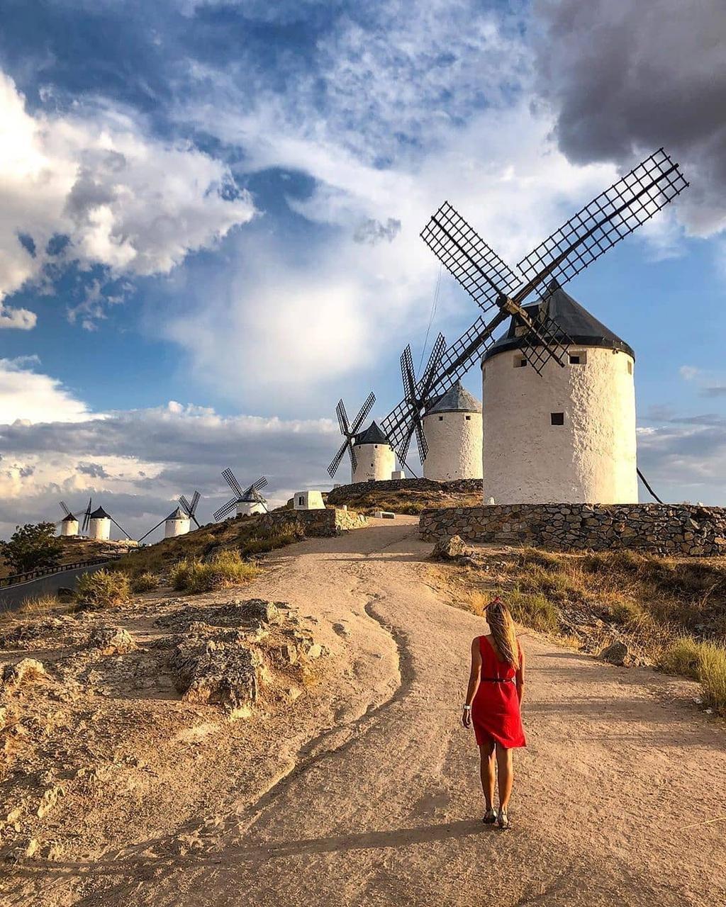 Thiên đường cối xay gió đẹp như tranh vẽ ở Tây Ban Nha Ảnh 6