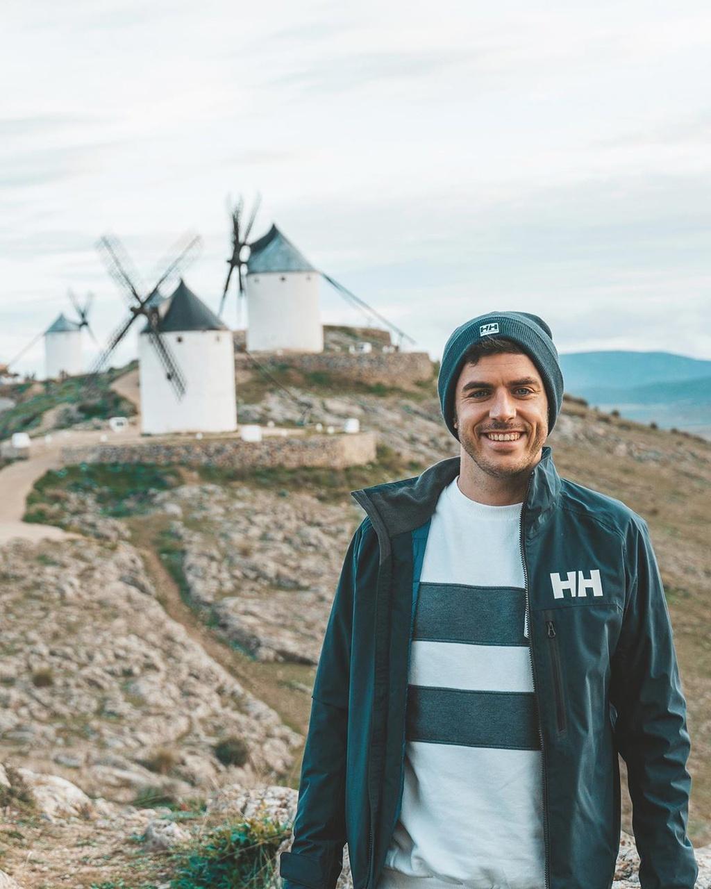 Thiên đường cối xay gió đẹp như tranh vẽ ở Tây Ban Nha Ảnh 1