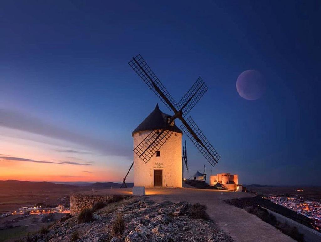 Thiên đường cối xay gió đẹp như tranh vẽ ở Tây Ban Nha Ảnh 11