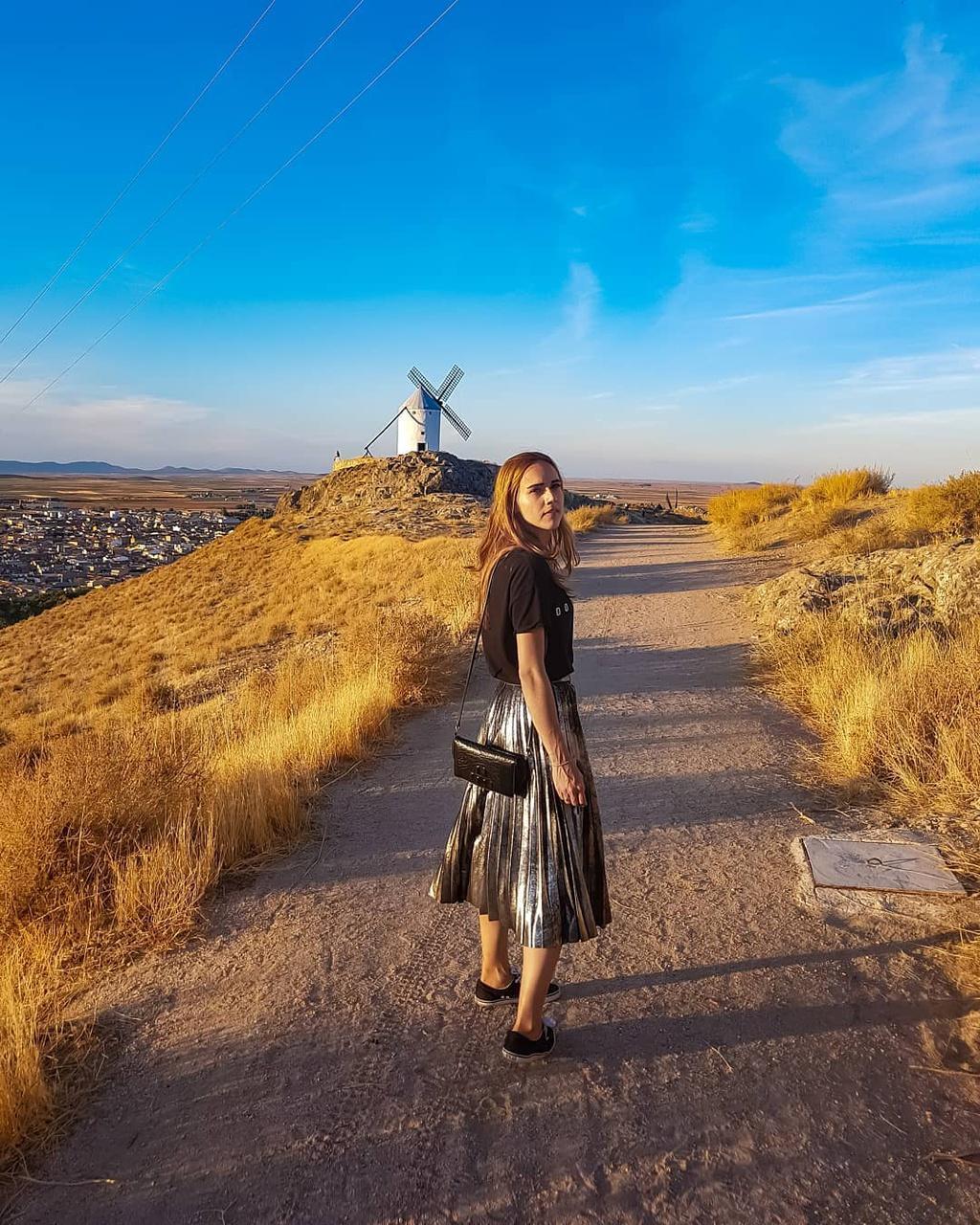 Thiên đường cối xay gió đẹp như tranh vẽ ở Tây Ban Nha Ảnh 2