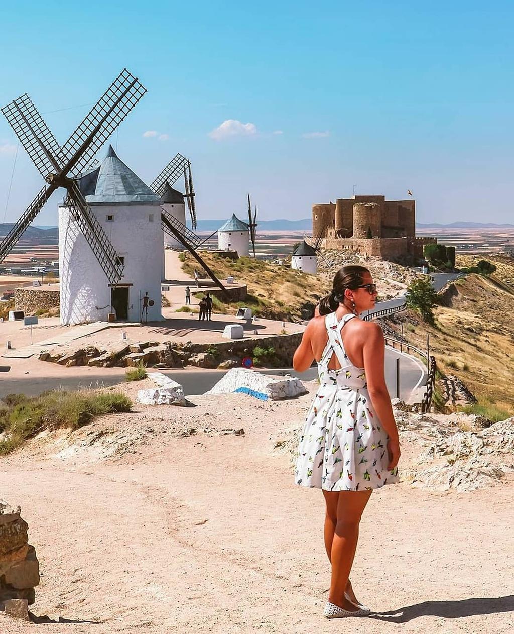 Thiên đường cối xay gió đẹp như tranh vẽ ở Tây Ban Nha Ảnh 5