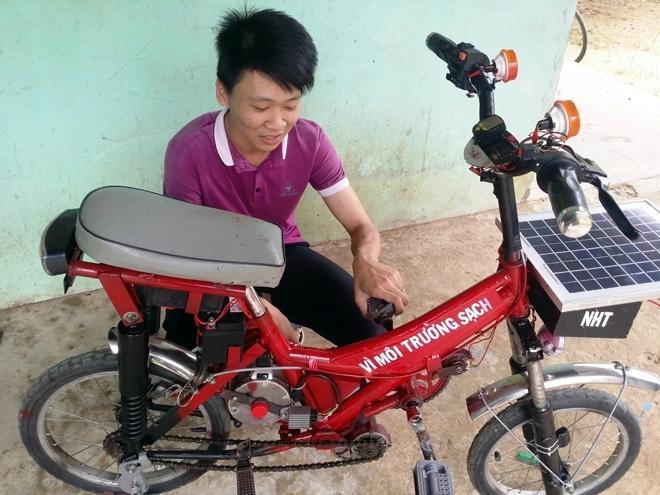 Học sinh sáng chế xe đạp chạy bằng năng lượng mặt trời Ảnh 1