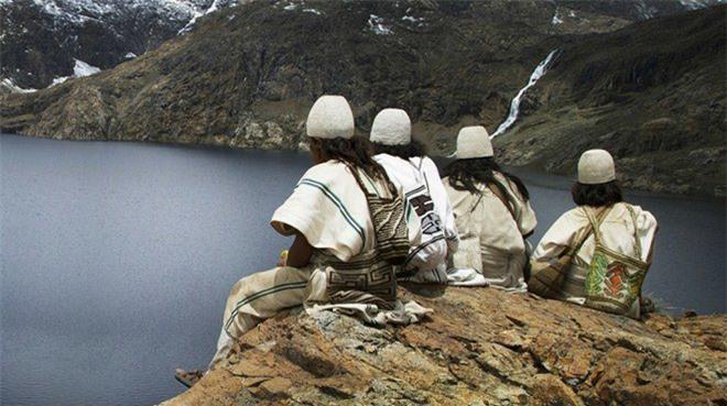 Bí ẩn bộ tộc 8.000 năm ở giữa rừng sâu, có lối sống 'thánh thiện' nhất thế giới Ảnh 3