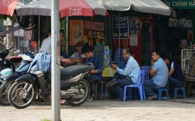 Chợ 'cóc' tràn lan, vi phạm giãn cách xã hội phổ biến Ảnh 3