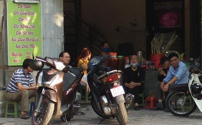 Chợ 'cóc' tràn lan, vi phạm giãn cách xã hội phổ biến Ảnh 4