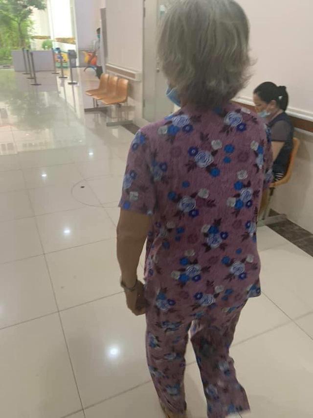 Hình ảnh cụ bà 70 tuổi đi chăm cháu ngoại sinh con và câu chuyện đằng sau khiến ai nấy đều xót xa Ảnh 2