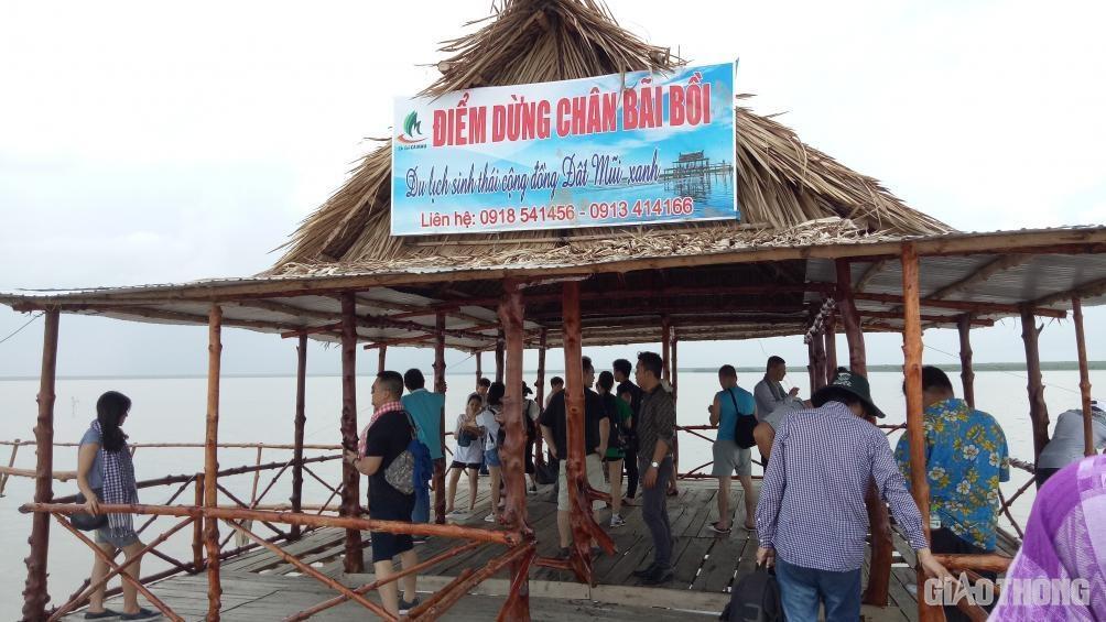 Cà Mau: Không xảy ra TNGT, khách du lịch tăng dịp nghỉ lễ Ảnh 2