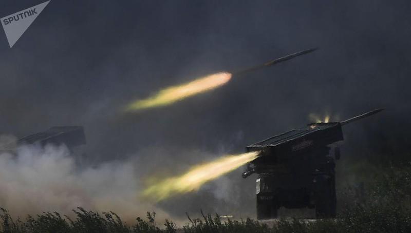 Quân đội Nga nhận pháo phản lực tầm xa nhất thế giới, 'quét sạch mọi sinh vật' Ảnh 1