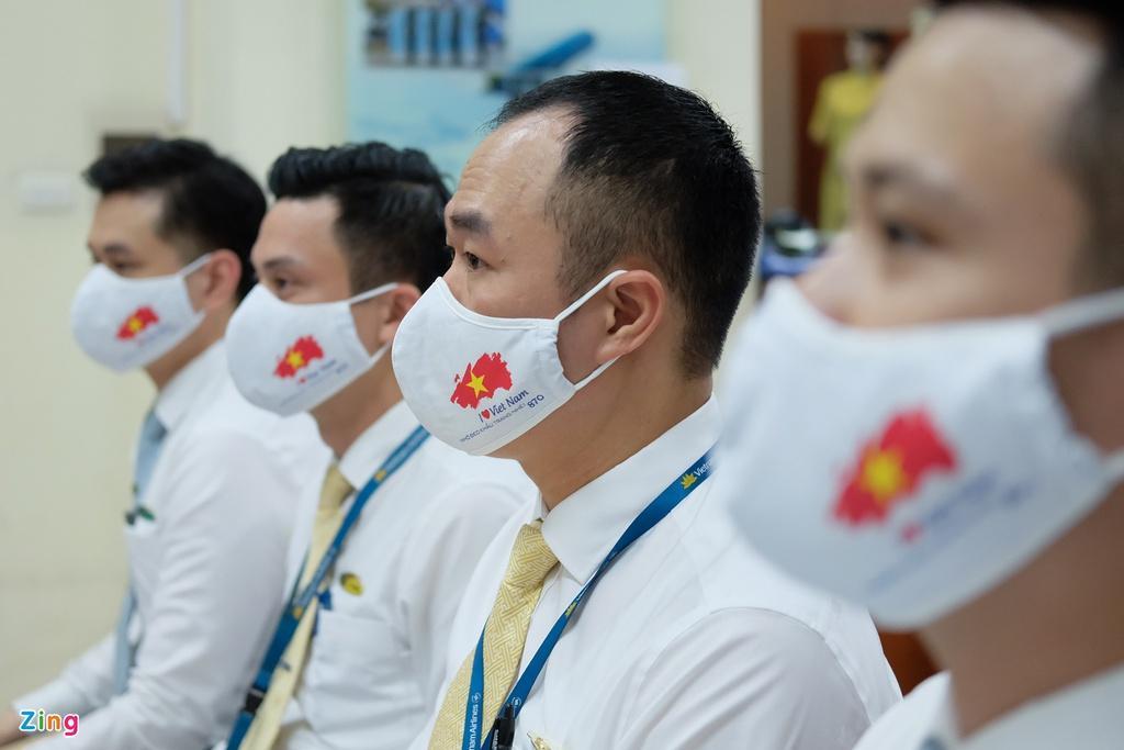 Chuyến bay lên đường tới Mỹ đưa 340 người Việt về nước Ảnh 5