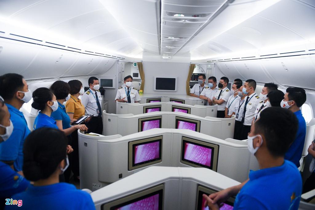 Chuyến bay lên đường tới Mỹ đưa 340 người Việt về nước Ảnh 7