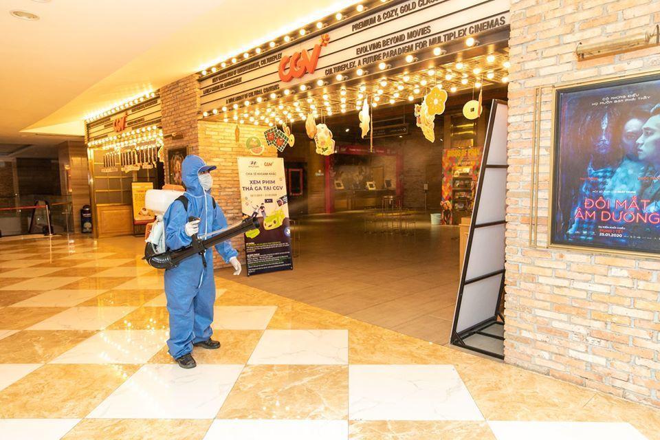 Các rạp chiếu mở cửa lại từ 9/5 kèm hàng loạt quy định mới Ảnh 1
