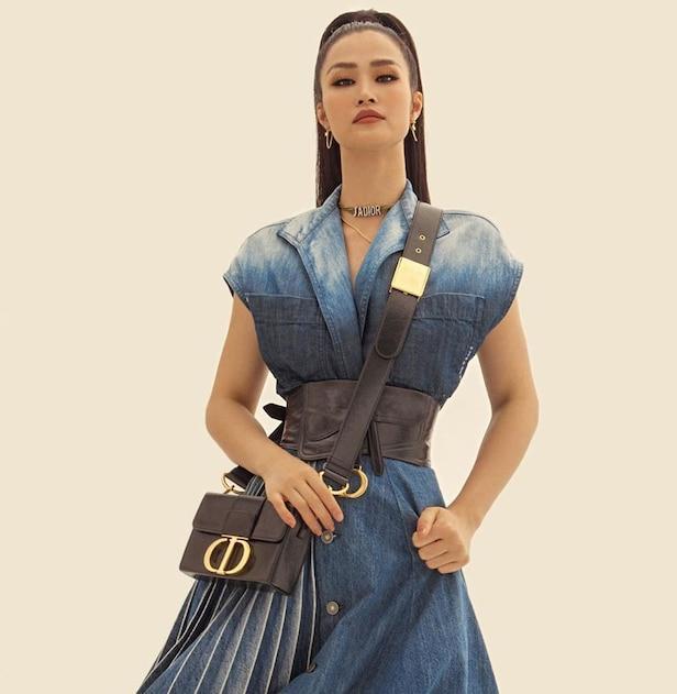 Thời trang bầu bí của Đông Nhi phủ đầy hàng hiệu, từ đầu đến chân không thiếu thứ gì Ảnh 10