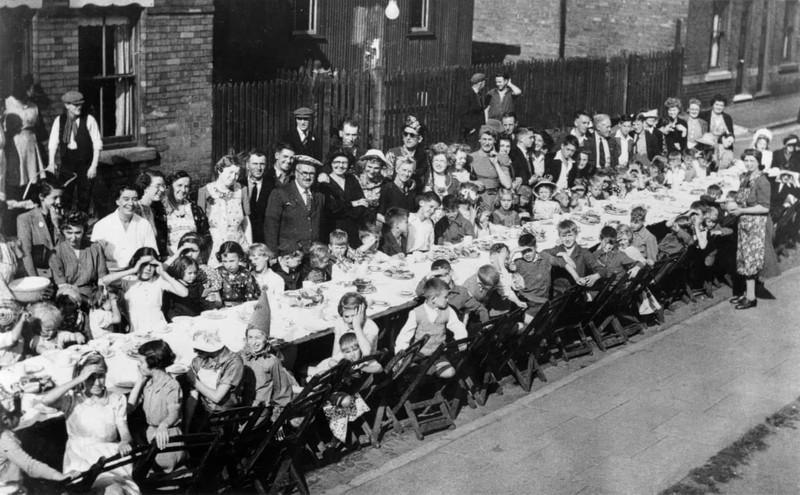 Chùm ảnh: Niềm hân hoan trong Ngày Chiến thắng ở châu Âu 1945 Ảnh 13