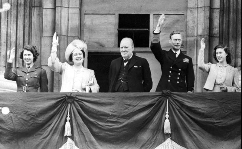 Chùm ảnh: Niềm hân hoan trong Ngày Chiến thắng ở châu Âu 1945 Ảnh 3