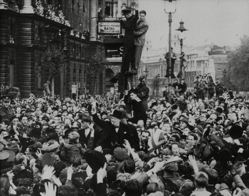 Chùm ảnh: Niềm hân hoan trong Ngày Chiến thắng ở châu Âu 1945 Ảnh 16