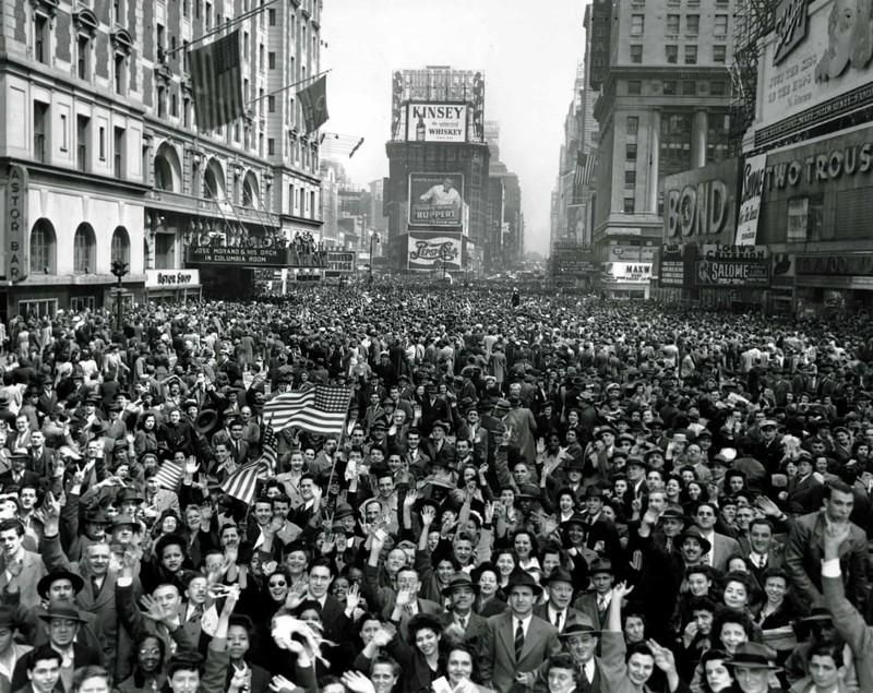 Chùm ảnh: Niềm hân hoan trong Ngày Chiến thắng ở châu Âu 1945 Ảnh 8
