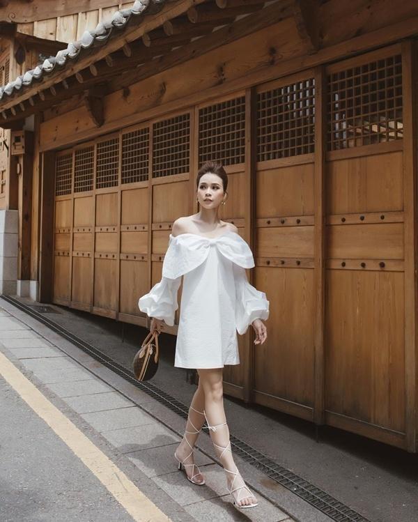 Cách diện đồ trắng chuẩn quý cô thanh lịch của Sam Ảnh 10