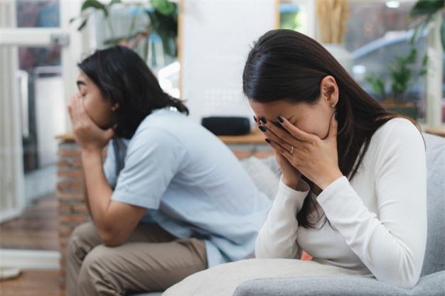 Vợ tôi lao vào phòng khóc và đòi ly hôn chỉ vì câu nói của mẹ chồng Ảnh 1