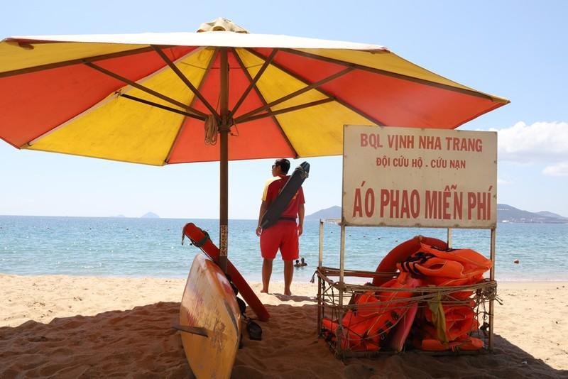 Miễn phí áo phao tắm biển Nha Trang Ảnh 5