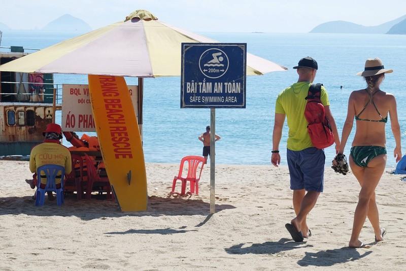 Miễn phí áo phao tắm biển Nha Trang Ảnh 3